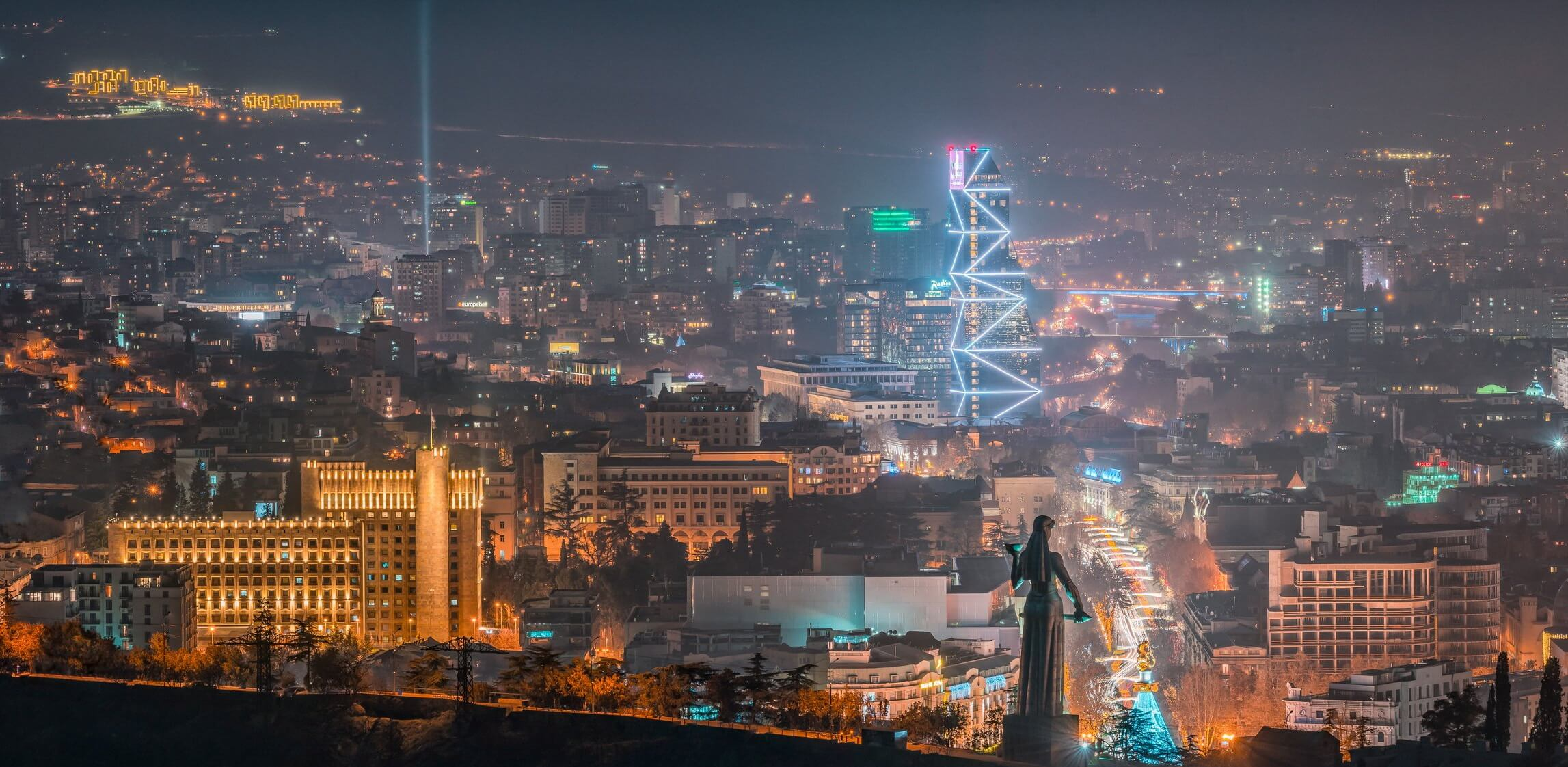 night_tbilisi_light